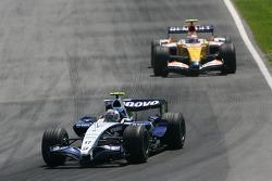 Alexander Wurz, Williams F1 Team, FW29 and Heikki Kovalainen, Renault F1 Team, R27