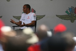 Lewis Hamilton, McLaren Mercedes talks to the fans