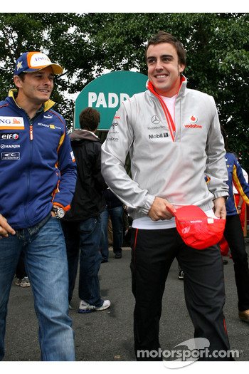 Fernando Alonso, McLaren Mercedes and Giancarlo Fisichella, Renault F1 Team