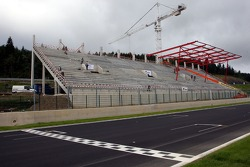 New main grandstand in the build