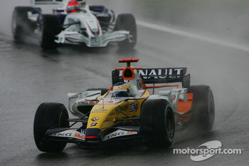 Giancarlo Fisichella, Renault F1 Team, R27 and Robert Kubica, BMW Sauber F1 Team, F1.07
