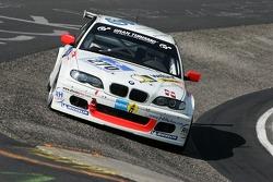 #270 Renngemeinschaft Berg. Gladbach e.V. i. ADAC BMW 330d: Thomas Haider, Rainer Kutsch, Marc Hiltscher, Jutta Kleinschmidt