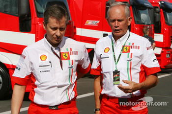 Mario Almondo, Scuderia Ferrari, Technical Director and Rory Byrne, Scuderia Ferrari, Design and Development Consultant