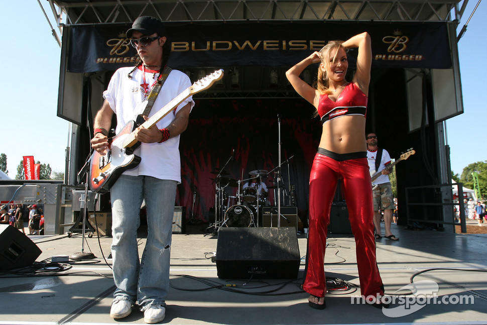 Live entertainment before the race at Circuit Gilles-Villeneuve