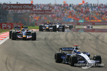 Nico Rosberg, WilliamsF1 Team, FW29 leads David Coulthard, Red Bull Racing, RB3