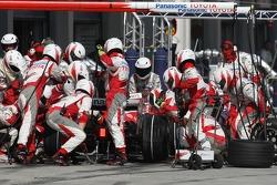 Ralf Schumacher, Toyota Racing, TF107 pit stop