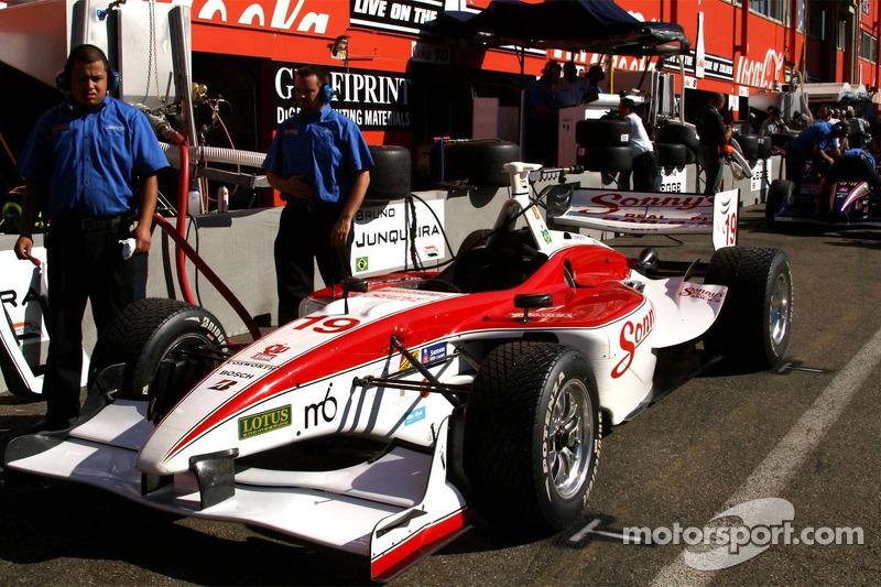 Bruno Junqueira's car (Dale Coyne Racing)