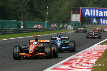 Adrian Sutil, Spyker F1 Team, F8-VII-B, Jenson Button, Honda Racing F1 Team, RA107