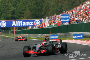 Fernando Alonso, McLaren Mercedes, MP4-22, Lewis Hamilton, McLaren Mercedes, MP4-22