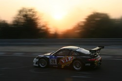 #26 VIP Petfoods Porsche 997 RSR: Tony Quinn, Klark Quinn, Craig Baird, Kevin Bell
