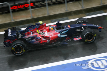 Sebastian Vettel, Scuderia Toro Rosso retires from the race
