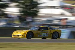 #4 Corvette Racing Corvette C6-R: Oliver Gavin, Olivier Beretta, Max Papis