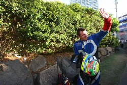 Jason Bright has a crash at turn one (Fujitsu Racing Ford Falcon BF)