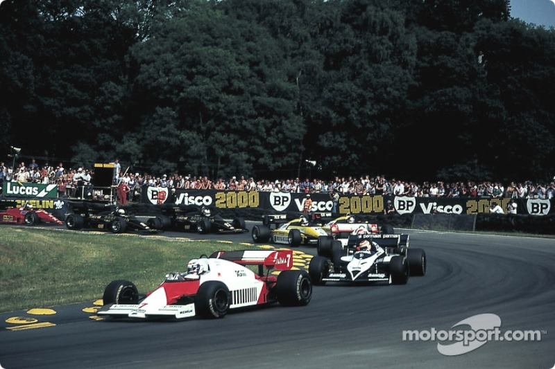 Start of the race: Prost leads the field