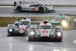 السيارة رقم 7 فريق أودي سبورت جوست آر18 إي-ترون كواترو: مارسل فاسلر، أندريه لوتيرر، بينوا تريلوير