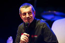 甘瑟尔•斯特内尔,哈斯F1车队领队,在车迷论坛