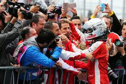 Derde plaats Sebastian Vettel, Ferrari viert in parc fermé