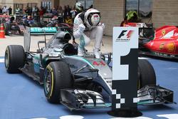 Winnaar en wereldkampioen Lewis Hamilton, Mercedes AMG F1 W06