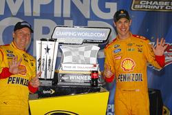 Winner Joey Logano, Team Penske Ford
