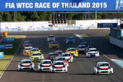 Start: Jose Maria Lopez, Citroën C-Elysée WTCC, Citroën World Touring Car team aan de leiding