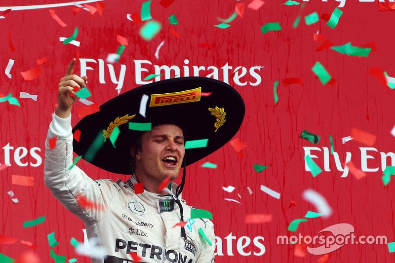 9. Podium: Race winner Nico Rosberg, Mercedes AMG F1 celebrates on the podium