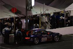 Pitstop for #68 TRG Porsche GT3 Cup: Michael Auriemma, Michael Gomez, John Mayes, Brent Milner, Scott Schroeder