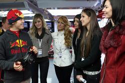 Sebastian Vettel with the lovely Formula Unas girls