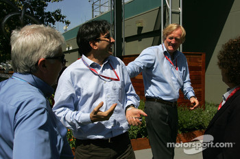Pasquale Lattuneddu, FOM, Formula One Management, Ron Walker, Australian Grand Prix Corporation Chairman