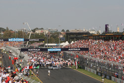 Cars Teams and Guests on the grid