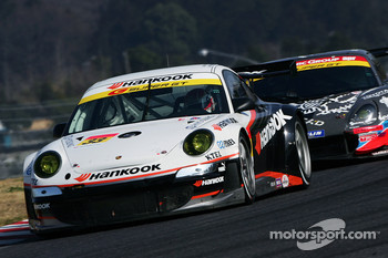 #33 Hankook Porsche: Mitsuhiro Kinoshita, Masami Kageyama