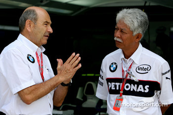 Peter Sauber, BMW Sauber F1 Team, Team Advisor and Tan Sri Mohd Hassan, President and CEO of Petronas