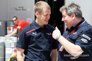 Giorgio Ascanelli and the young Sebastian Vettel at Toro Rosso in 2008