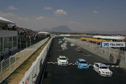 Andy Priaulx, BMW Team UK, BMW 320si WTCC, Robert Huff, Chevrolet, Chevrolet Lacetti, Augusto Farfus, BMW Team Germany, BMW 320si