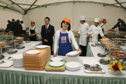 Twin Ring Motegi staff prepares breakfast