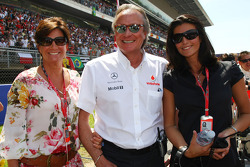 Kathy Ojeh Mansour Ojeh, Commercial Director of the TAG McLaren and Karen Minier, Fiancée of David Coulthard