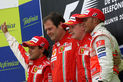Podium: race winner Kimi Raikkonen with Felipe Massa, Lewis Hamilton and Aldo Costa, Scuderia Ferrari, Chief Designer