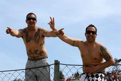 Race fans