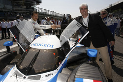 Stéphane Sarrazin and Peugeot CEO Jean-Philippe Collin