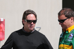 Jimmy Vasser having a discussion with a crew member