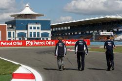 Nico Rosberg, WilliamsF1 Team, walks the circuit