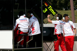 Toyota Team F1 mechanics