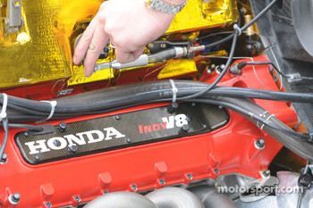 The Honda Indy V8 up close