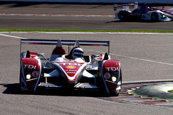 #1 Audi Sport Team Joest Audi R10 TDI: Allan McNish, Rinaldo Capello; Allan McNish at the wheel