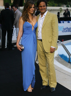 Liz Hurley  with her husband Arun Nayar
