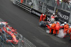 Heikki Kovalainen, McLaren Mercedes after crashing in practice