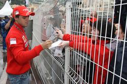 Felipe Massa, Scuderia Ferrari, signing autographs