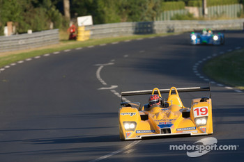 #19 Chamberlain-Synergy Motorsport Lola B06-10 AER: Bob Berridge, Gareth Evans, Amanda Stretton