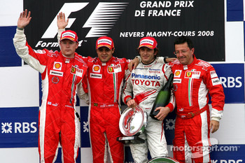 Podium: race winner Felipe Massa with Kimi Raikkonen, Jarno Trulli and Luca Baldisserri