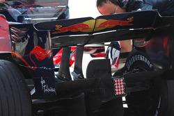 Sebastian Vettel, Scuderia Toro Rosso, STR03, Rear wing