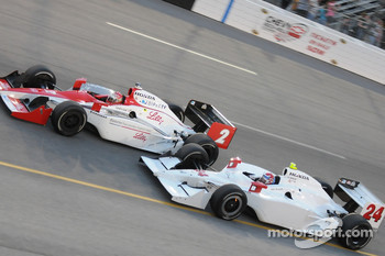 John Andretti and A.J. Foyt IV running close